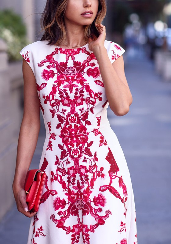 ee938e7204a0 White Red Flowers Print Elegant Chiffon Maxi Dress - Maxi Dresses ...
