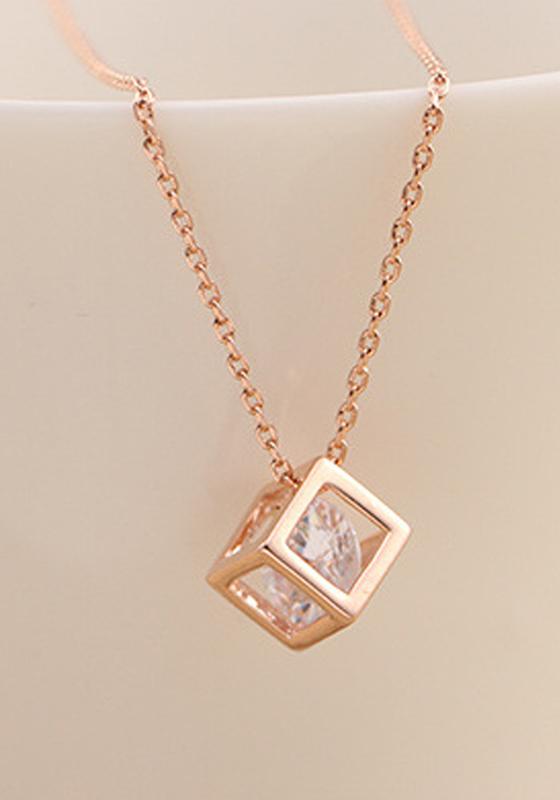 Rose Gold Fashion Rhinestone Alloy Cube Pendant Necklace