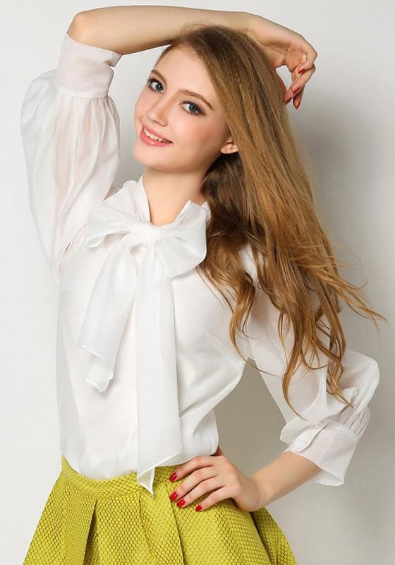 Chemisier avec noeud papillon col lavallière manches longues élégant femme  de bureau blouse blanc 97f5a4408f9d