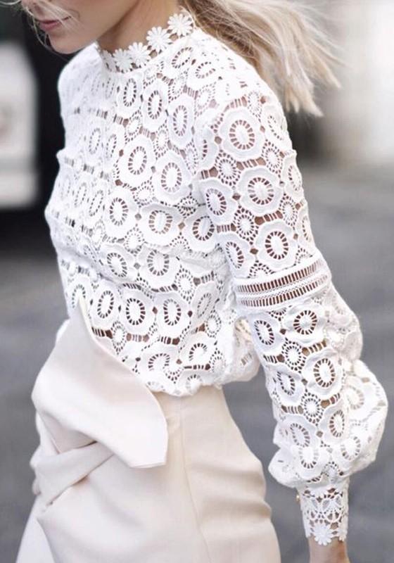 7072a9dc0e938 Chemisier en dentelle col cheminée manches longues femme mode top blanc