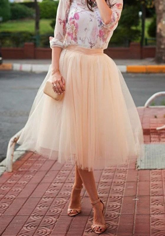 dee888b7623754 Jupe mi-longue tutu en tulle plissée taille élastique mode femme beige