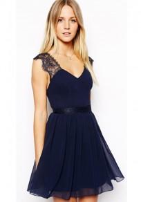 Mini-robe avec dentelle mousseline dos nu v-cou sans manches élégant bleu marine