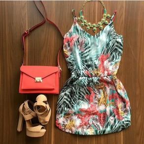 Mini vestido flores condole con cuello en V mangas multicolor