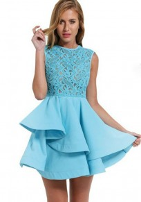 Mini-robe grenade en dentelle péplum trapèze élégant bleu clair