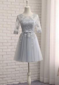 Mini-robe avec dentelle dos nu à lacets plissé manches au coude tutu tulle élégant gris