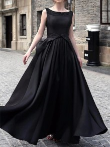 Black Plain Cut Out Round Neck Vintage Maxi Dress