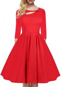 Mi-longue robe découpé plissé col rond manches 3/4 vintage de cocktail rouge