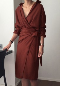 Midi-robe bordeaux uni ceinture v-col mode