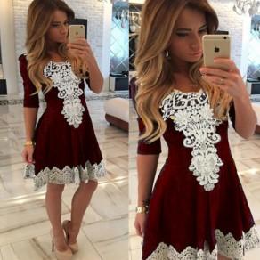 Mini robe dentelle drapée plissée col rond patineuse mignonne rouge lie de vin