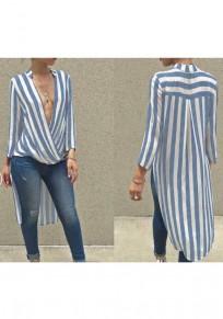 Midi-robe à rayures irrégulières décolleté plongueeant bleu clair