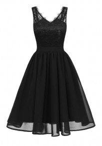 Black Patchwork Lace Pleated V-neck Backless Chiffon Midi Dress