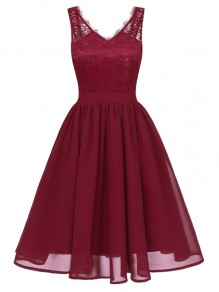 Wine Red Patchwork Lace Pleated V-neck Backless Chiffon Midi Dress