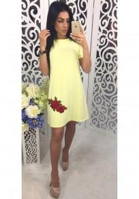 Mini vestido bordado cuello redondo manga corta elegante amarillo