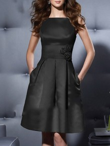Black Pockets Draped Appliques Round Neck Sleeveless Midi Dress