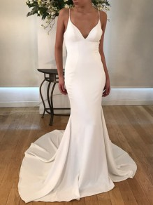 White Spaghetti Strap Backless Deep V-neck Mermaid Elegant Party Wedding Maxi Dress