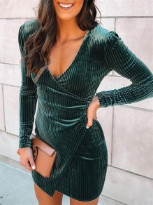 Green Tiered V-neck Long Sleeve Fashion Mini Dress
