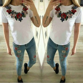 White Flowers Embroidery Round Neck Short Sleeve Slim T-Shirt