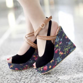 Black Piscine Mouth Wedges Floral Print Buckled Fashion Sandals