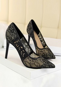 Zapatos punta de tacón de aguja moda de tacón alto negro
