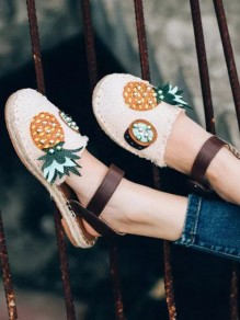 Beige Round Toe Flat Pineapple Embroidery Fashion Straw Shoes