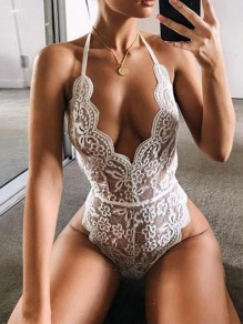 White Lace Ruffle Halter Neck Backeless V-neck Fashion Casual Summer Short Jumpsuit