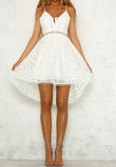 Mi-longue robe en dentelle bretelle à lacets dos nu irrégulière haut-bas mode blanc