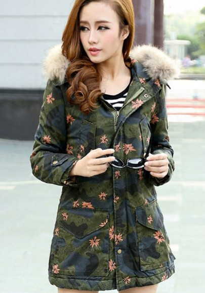 Dark Green Camouflage Maple Leaves Print Hooded Parka