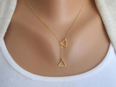 Collier avec pendentif alliage de mode géométrique rayé d'or