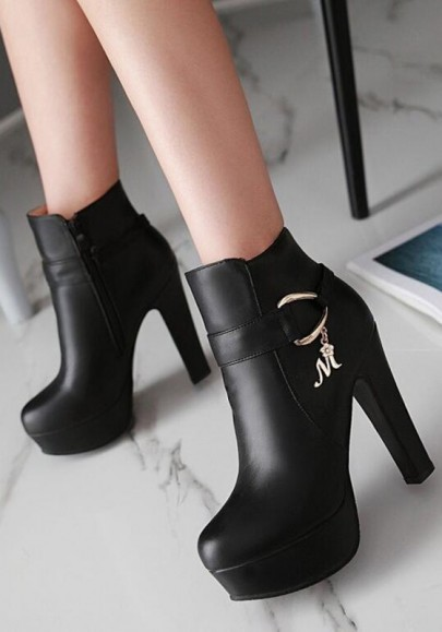 Black Round Toe Chunky Zipper Fashion Martin Boots