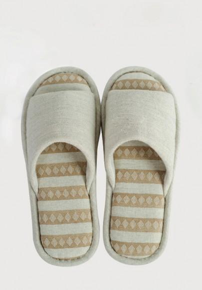 Beige Round Toe Flat Plaid Print Casual Slippers