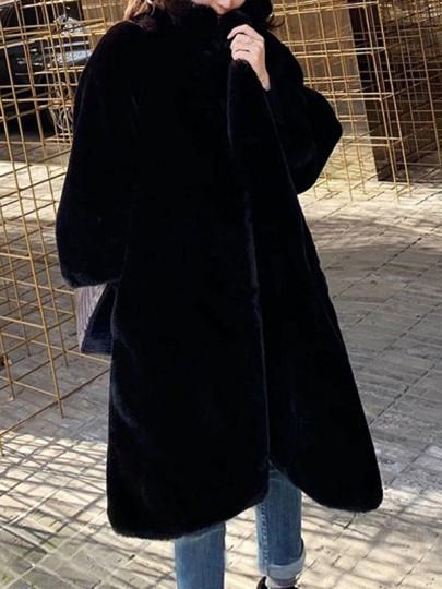 Vêtements d'extérieur col rabattu surdimensionné et poche en fausse fourrure noir