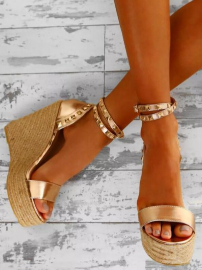 Golden Round Toe Wedges Rivet Fashion High-Heeled Sandals