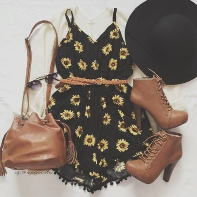 Black Floral Condole Belt Sexy Backless Short Jumpsuit