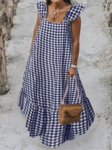 Robe maxi à carreaux bleu et blanc à volants et encolure carrée big swing holiday bohème