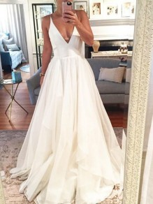 White Patchwork Pleated Grenadine Shoulder-Strap V-neck Sleeveless Wedding Maxi Dress
