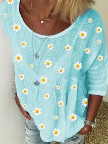 Blue Flowers Pattern Round Neck Three Quarter Length Sleeve Fashion T-Shirt