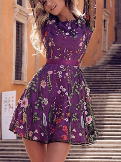 Mini robe ceinture broderie florale grenadine col rond manches longues mode violet