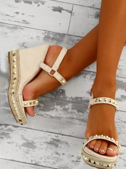 Apricot Round Toe Rivet Wedges Fashion High-Heeled Sandals