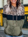 Green Leopard Print Pockets Plus Size Hooded Casual Pullover Sweatshirt
